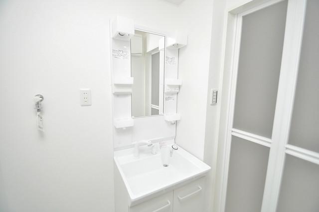 トレノーヴェ南巽 独立した洗面所には洗濯機置場もあり、脱衣場も広めです。