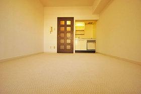 朝日プラザ天神 : 7階居室