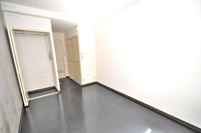 コルナス八戸ノ里 明るいお部屋はゆったりとしていて、心地よい空間です