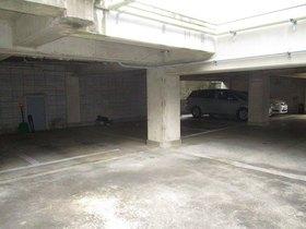 二俣川YSマンション駐車場