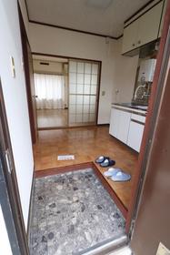 https://image.rentersnet.jp/db0a20e2-5049-45c7-be1a-52da6e3de521_property_picture_957_large.jpg_cap_玄関