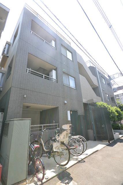 新宿駅 徒歩7分外観