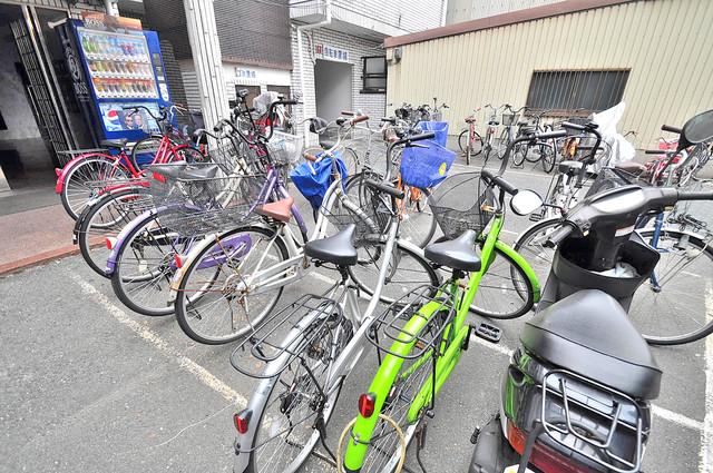 エンパイヤシティ 敷地内には専用の駐輪スペースもあります。