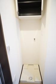 洗濯機置場 収納もあり