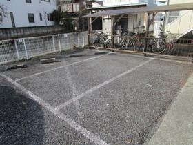 メゾンドール駐車場