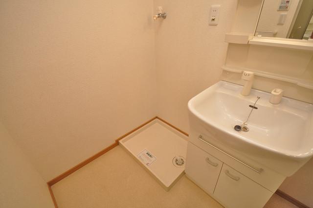 ベル フルール エヌ・エス 室内に洗濯機置き場があれば雨の日でも安心ですね。