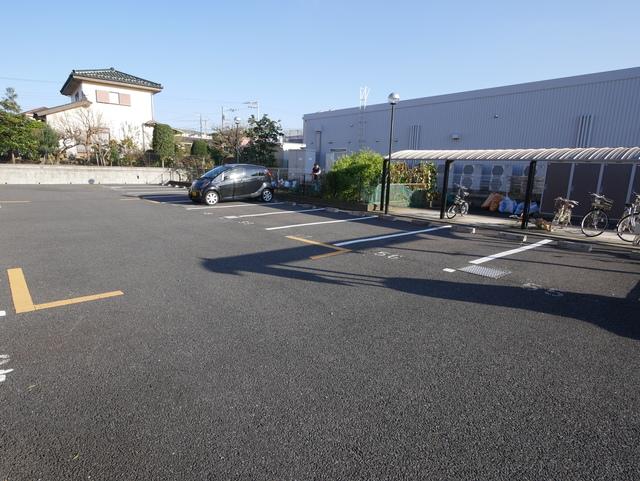 ラピスラズリソレイユ駐車場