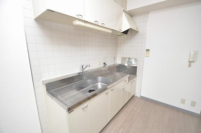 ソレアード三貴 大きなキッチンはお料理の時間を楽しくしてくれます。