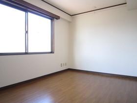 https://image.rentersnet.jp/dc182995-95c8-42d1-8da6-385ae21d1701_property_picture_961_large.jpg_cap_居室