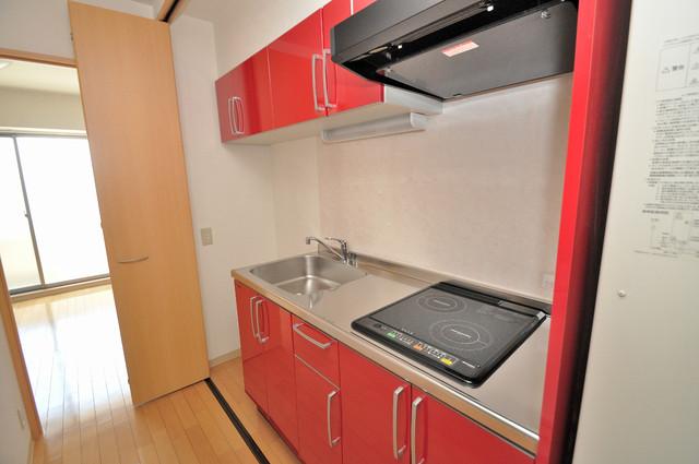 Celeb布施東 単身のお部屋には珍しい豪華なシステムキッチン完備です。