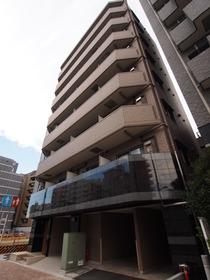 南新宿駅 徒歩17分エントランス