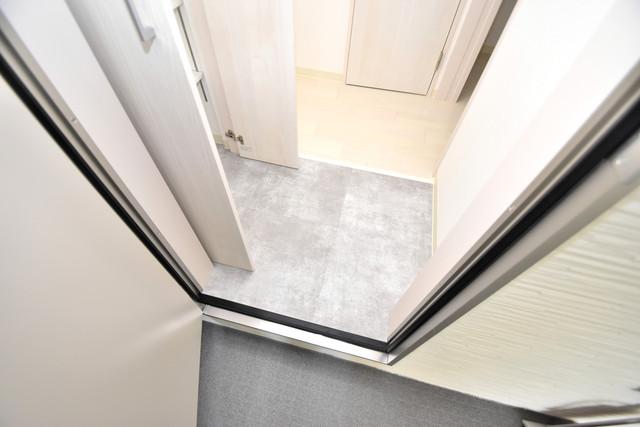 ラモーナ巽南 お部屋の入口には何も置かず、シンプルが一番ですね。