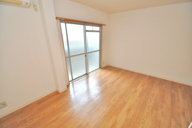 サニーハイム上小阪 朝には心地よい光が差し込む、このお部屋でお休みください。