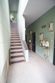 https://image.rentersnet.jp/dc8086c2-26e1-4d13-b2c4-0636855d04fc_property_picture_956_large.jpg_cap_エントランス