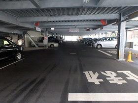 オーベルグランディオ多摩中央公園駐車場