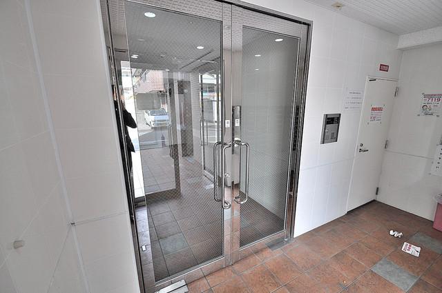M'プラザ今里弐番館 オシャレなエントランスは安心のオートロック完備です。