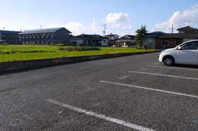 https://image.rentersnet.jp/dd220052-5865-4fd5-95bb-d6e67771db5e_property_picture_2419_large.jpg_cap_駐車場
