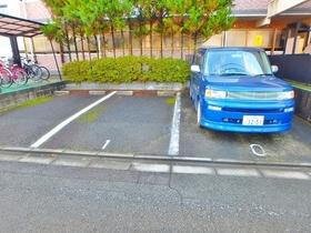 グランデ南大沢駐車場