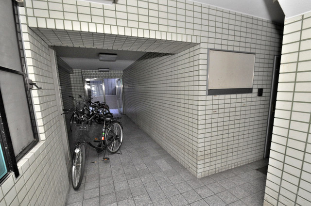 リンクスイン東大阪Part2 素敵なエントランスがあなたを毎日出迎えてくれます。