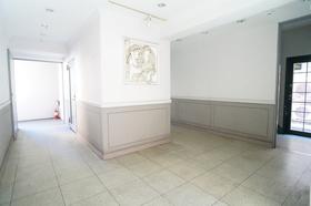 https://image.rentersnet.jp/de2e9962-07d4-448b-959f-e07168ccffd9_property_picture_962_large.jpg_cap_エントランス