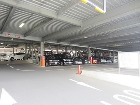 ブラウトリエ駐車場
