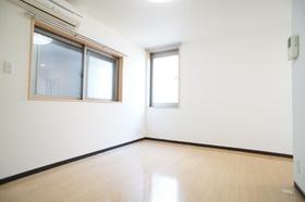 モノロカーレ仲六郷 101号室
