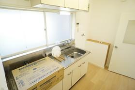 https://image.rentersnet.jp/df0e5b41-1a7a-41d0-8c3f-9070336f2e37_property_picture_956_large.jpg_cap_キッチン