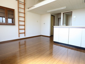 https://image.rentersnet.jp/df3be547-ca03-448a-a1f3-d9bb0353cebc_property_picture_955_large.jpg_cap_居室