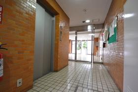 神谷町駅 徒歩4分エントランス