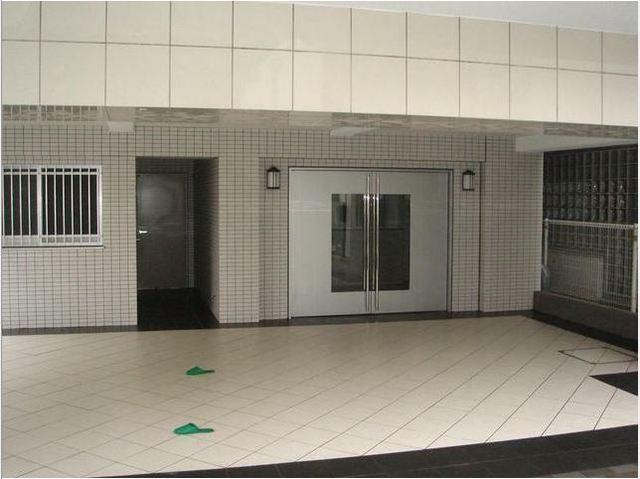 ラ・シード東神奈川駅前エントランス