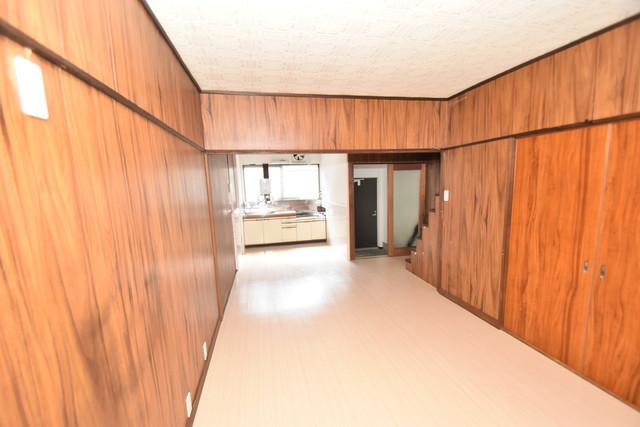 大蓮南2-15-9 貸家 解放感がある素敵なお部屋です。
