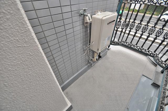 グローリア高井田 洗濯して一歩も動かずに洗濯物を干せるのがうれしいですね。