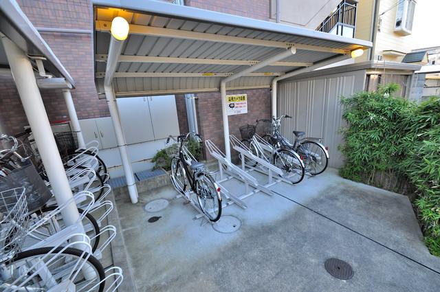 ベル フルール エヌ・エス 広い駐輪スペースは、置き場を探すこともなくなりますね。
