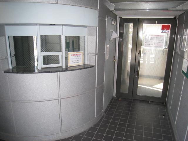 スカイコート新宿第5エントランス