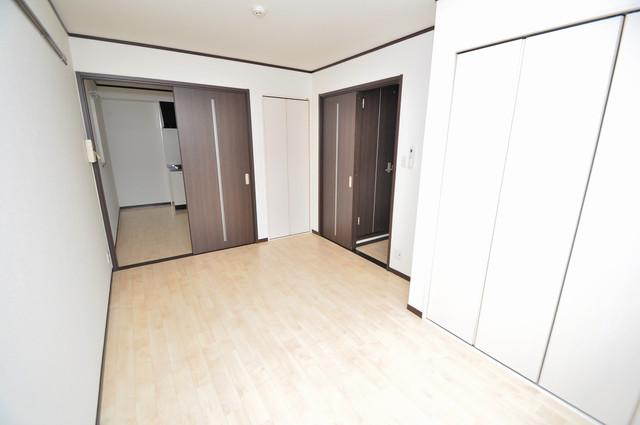 エストレヤ荒川 陽当りの良いベッドルームは癒される心地良い空間です。