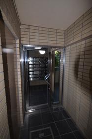 落合南長崎駅 徒歩13分エントランス