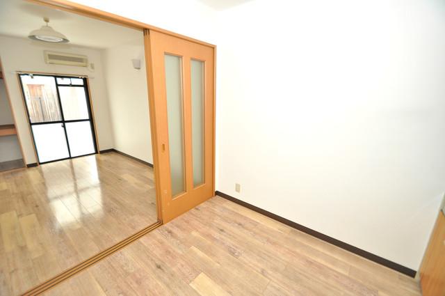 グランデコ 白を基調としたリビングはお部屋の中がとても明るいですよ。
