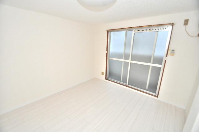 あかねハイツ 朝には心地よい光が差し込む、このお部屋でお休みください。