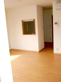 https://image.rentersnet.jp/e0e41794-56dd-41d8-96a0-3f69438999a2_property_picture_955_large.jpg_cap_居室