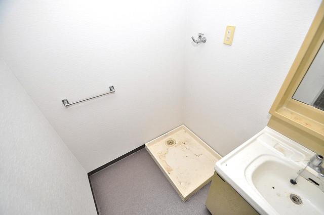 ヴェルドミール舎利寺 洗濯機置場が室内にあると本当に助かりますよね。