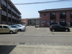 https://image.rentersnet.jp/e11ded17209eb6d5af28a6ade13af0c7_property_picture_1991_large.jpg_cap_駐車場