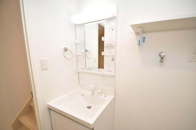 ハーモニーテラス源氏ケ丘 独立した洗面所には洗濯機置場もあり、脱衣場も広めです。