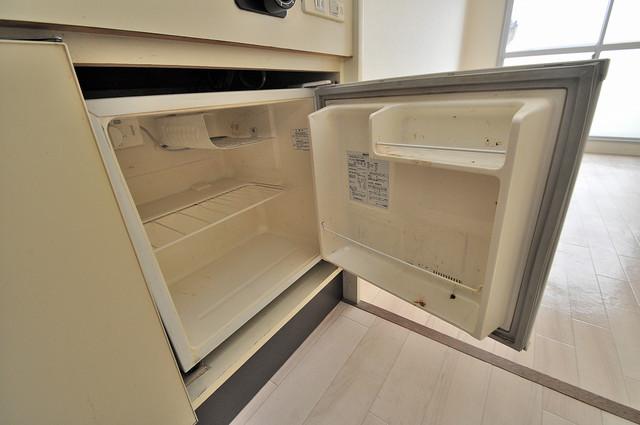 センチュリーシティⅡ キッチンの下にはかわいいミニ冷蔵庫付きです。得した気分です