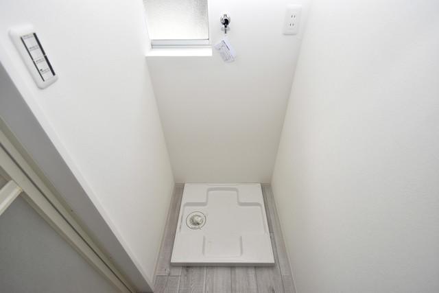 ワイハウス 室内洗濯機置き場です。