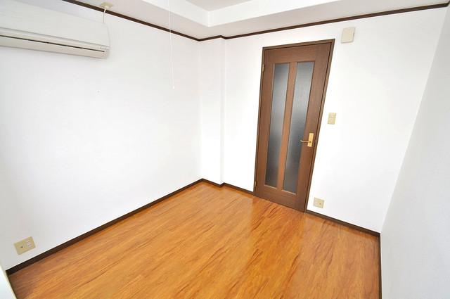 大宝小阪ヴィラデステ 解放感たっぷりで陽当たりもとても良いそんな贅沢なお部屋です。
