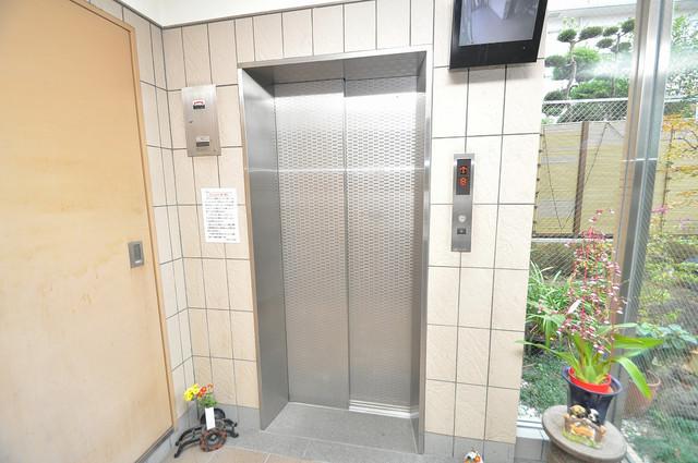 パレグリシーヌ 嬉しい事にエレベーターがあります。重い荷物を持っていても安心