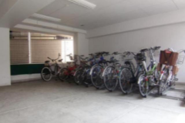 ヴェルト横濱石川町駐車場