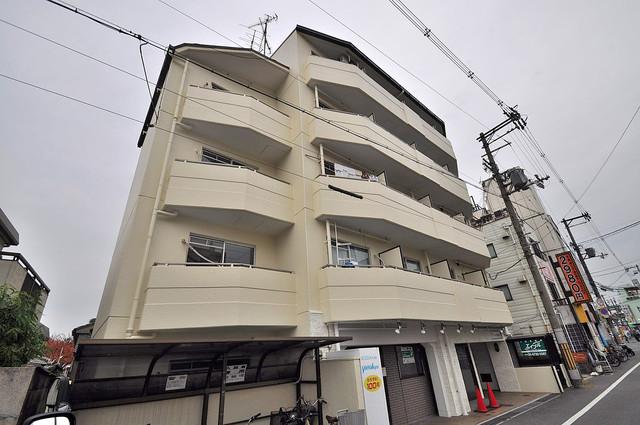 ラフォーレ菱屋西Ⅱ 存在感があって、とてもオシャレな外観のマンションです。