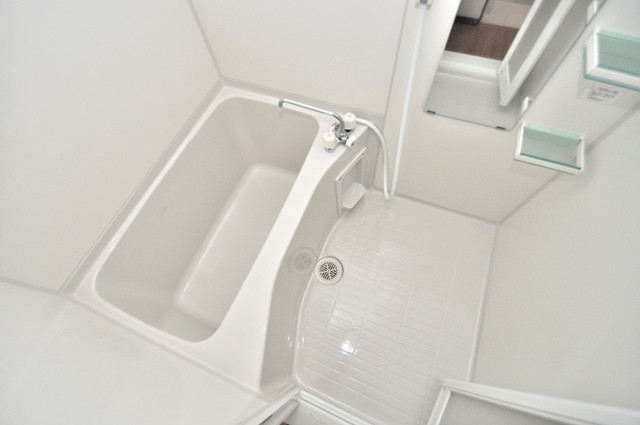 M'プラザ布施弐番館 ちょうどいいサイズのお風呂です。お掃除も楽にできますよ。