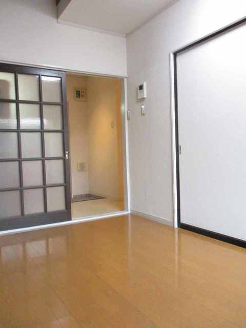 サン・クレール横浜B棟居室